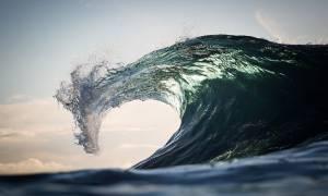 Δαμάζοντας τα κύματα (photos)