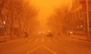 Η πόλη έγινε κόκκινη - Δείτε γιατί (photos)