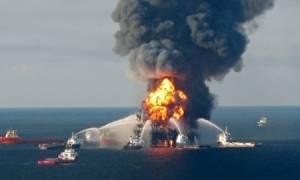 Μεξικό: Τέσσερις νεκροί από φωτιά σε πετρελαϊκή πλατφόρμα (video & pics)