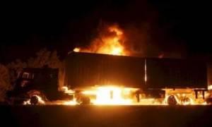 Στις φλόγες νταλίκα στην εθνική οδό Θεσσαλονίκης - Σερρών