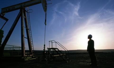 Νέα υποχώρηση για την τιμή του πετρελαίου μπρεντ