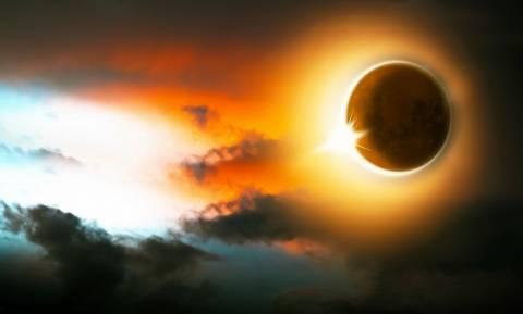 Σεληνιακή έκλειψη: Οι δύο φωτοδότες συγκρούονται