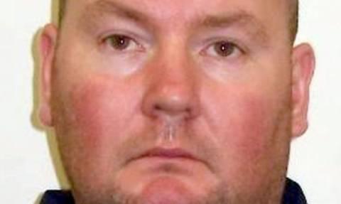Φρίκη: Έσφαξε ιερόδουλη και μετά βίασε 2 γυναίκες δίπλα στο πτώμα της