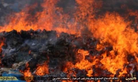 Συρία: Οι τζιχαντιστές έκαψαν τρόφιμα γιατί είχαν συσκευαστεί στις ΗΠΑ
