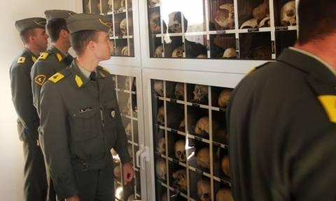 Επίσκεψη σπουδαστών Στρατιωτικής Σχολής Ευελπίδων στο Δίστομο (pics)