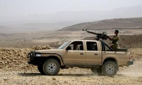 Υεμένη: Ρίψεις όπλων με αλεξίπτωτα από τις υπό τη Σ. Αραβία δυνάμεις