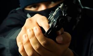 Ένοπλη ληστεία σε κοσμηματοπωλείο στα Μάλια