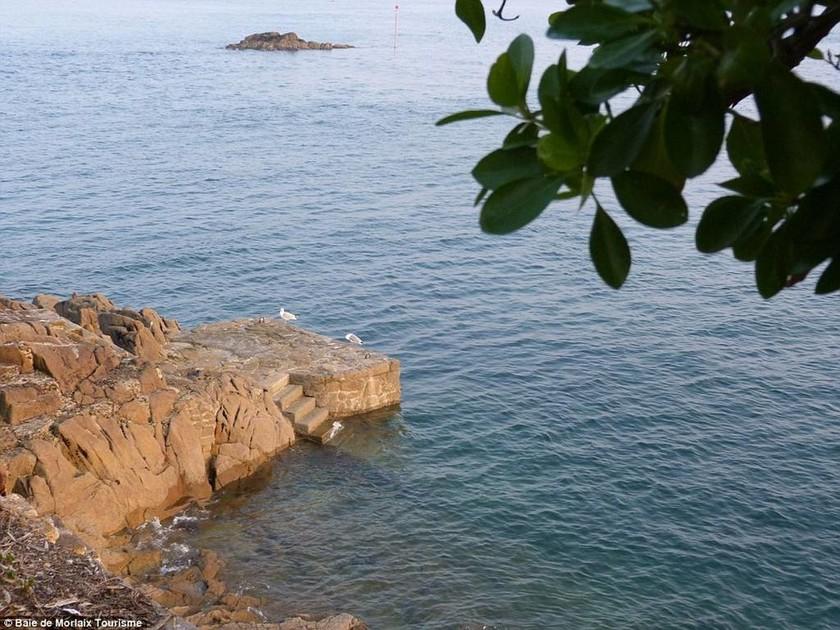Νοικιάστε ένα ολόκληρο νησί με... 200 ευρώ (photos)