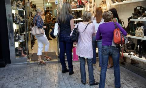 Μοντέλο με 4 Κυριακές ανοικτά μαγαζιά...