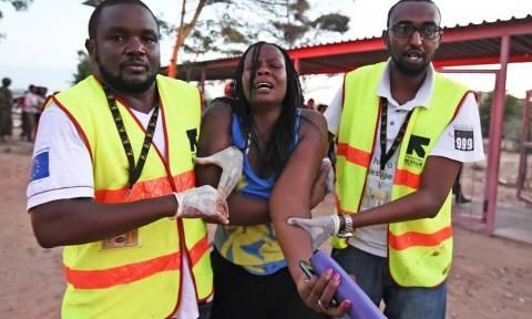 Θέσεις των ισλαμιστών βομβαρδίζει η Κένυα μετά το μακελειό στο πανεπιστήμιο