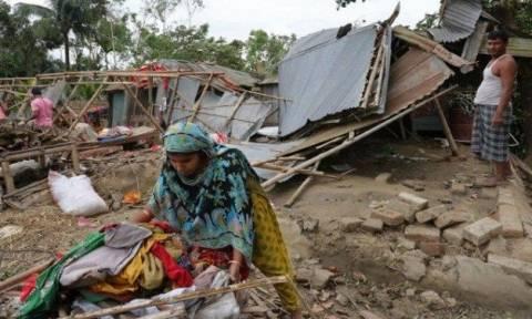 Μπανγκλαντές: Δεκάδες νεκροί και τραυματίες από την κακοκαιρία