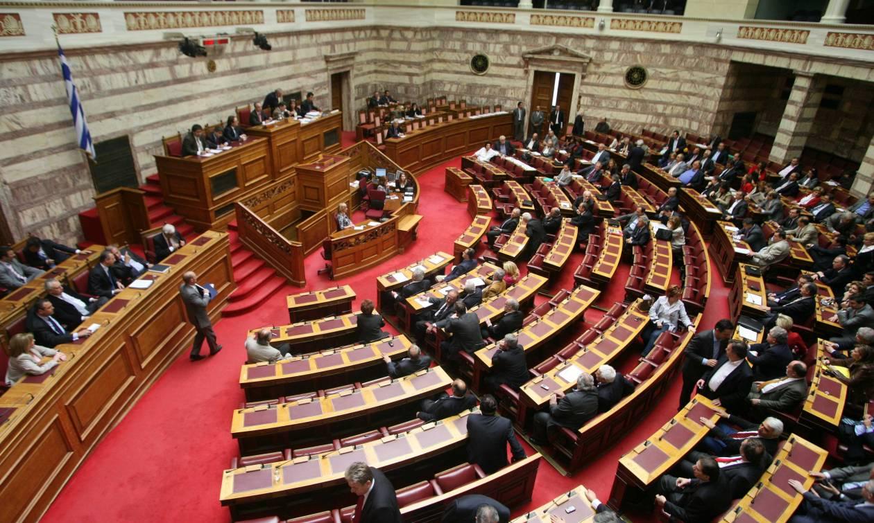 Σκληρή κόντρα Τσίπρα - Σαμαρά στη Βουλή για την Εξεταστική των Μνημονίων