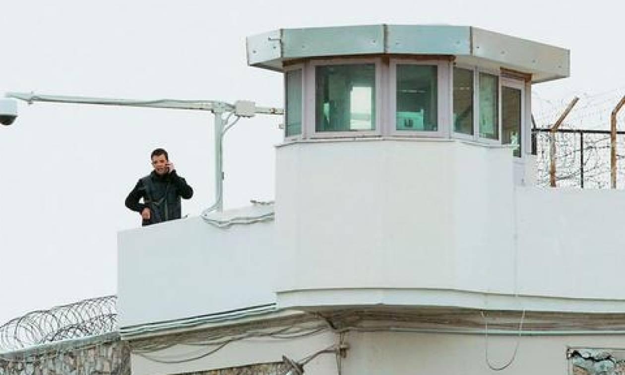 Προσλήψεις 580 μόνιμων υπαλλήλων στα καταστήματα κράτησης