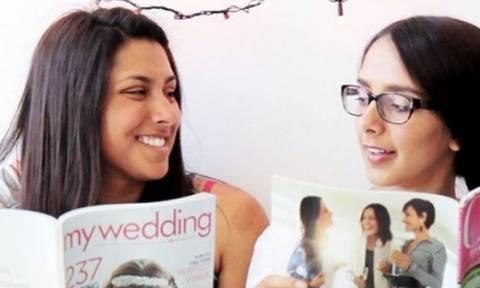 Ένα βίντεο ιδανικό για γυναίκες που έχουν αδελφή! Μόνο αυτές θα το καταλάβουν!