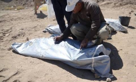 Ιράκ: Μαζικούς τάφους ανακάλυψαν στο Τικρίτ