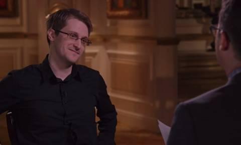 Σνόουντεν: Η κυβέρνηση συνεχίζει να κατασκοπεύει (video)