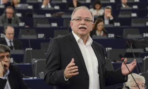 """«Υπερβαίνει την εντολή της η """"ανεξάρτητη"""" ΕΚΤ όταν εκβιάζει εκλεγμένες κυβερνήσεις»"""