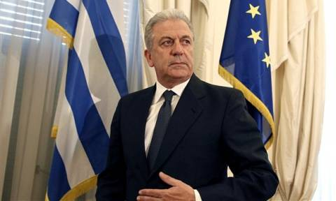 Aβραμόπουλος: Φέρνει στην Ελλάδα 460 εκατ. ευρώ για τη μετανάστευση