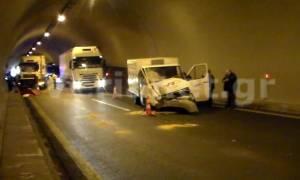 Βέροια: Τροχαίο μέσα στη σήραγγα 11 στην Εγνατία Οδό (video)