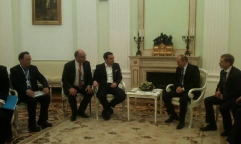 Τσίπρας σε Πούτιν: Επανεκκίνηση των διμερών σχέσεων προς όφελος των δύο χωρών (vid)