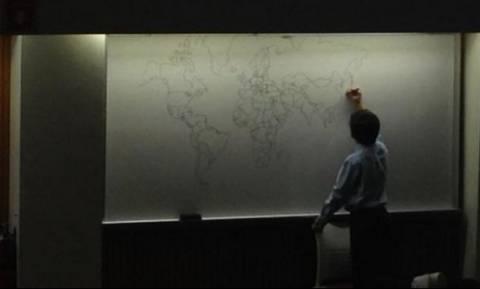 Αυτό το 11χρονο αυτιστικό αγόρι, ζωγραφίζει από μνήμης τον Παγκόσμιο χάρτη!