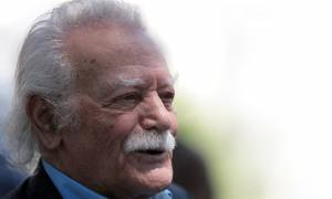 Γλέζος: Υποχρέωση μας η υπεράσπιση των Ελλήνων πολιτών