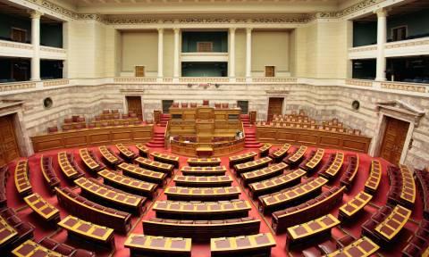 Αντιπαράθεση στη Βουλή για την ανάθεση των 500 εκατ. δολαρίων για αεροσκάφη