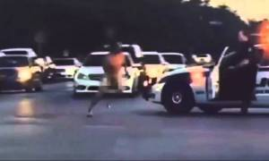 ΗΠΑ:  Δεν φαντάζεστε γιατί αυτός ο άνδρας έτρεχε γυμνός στο δρόμο! (video)