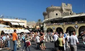 Αναφορές στα ρεκόρ του τουρισμού στην Ελλάδα το 2014 από τα αυστριακά ΜΜΕ