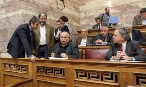 Άγρια κόντρα στη Βουλή - Πυρά αντιπολίτευσης για «σύγκρουση συμφερόντων» Κατρούγκαλου