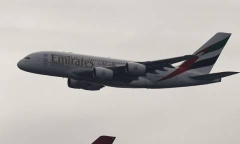 Συναγερμός σε πτήση της Emirates – Έκτακτη προσγείωση στο Μάντσεστερ