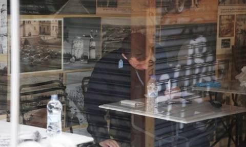 Αυτοκτόνησε άνδρας μέσα στο κατάστημά του στην οδό Πατησίων(pics)