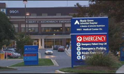 Εξιτήριο πήρε ο Αμερικανός νοσηλευτής που προσβλήθηκε με Έμπολα