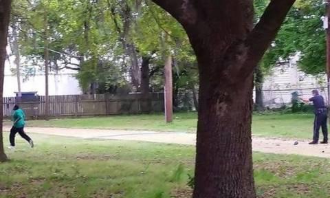 Δεύτερο βίντεο από την εν ψυχρώ δολοφονία του 50χρονου αφροαμερικανού