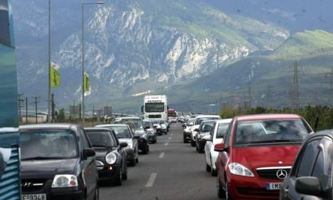 Με κακοκαιρία η Έξοδος του Πάσχα - Αυξημένη η κίνηση στις εθνικές οδούς