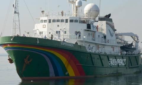 Εγκατέλειψαν την πετρελαϊκή εξέδρα οι ακτιβιστές της Greenpeace