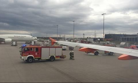 Συναγερμός στον αέρα: Αναγκαστική προσγείωση λόγω οσμής καπνού στο πιλοτήριο
