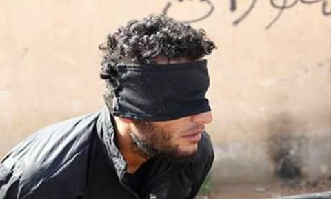 Ισλαμικό Κράτος: Αποκεφάλισαν «βλάσφημο» με μπαλτά (pics)