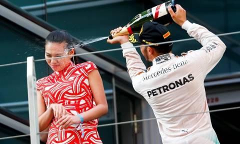 F1: Για σεξισμό κατηγορούν τον Lewis Hamilton (photos)