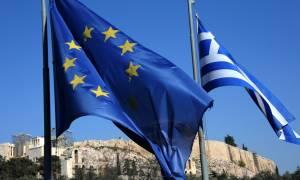 Guardian: Πιο κοντά στο Grexit η Ελλάδα
