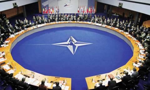 Βολές ΝΑΤΟ για «ρωσικές προμήθειες όπλων» στους αυτονομιστές του Ντονμπάς