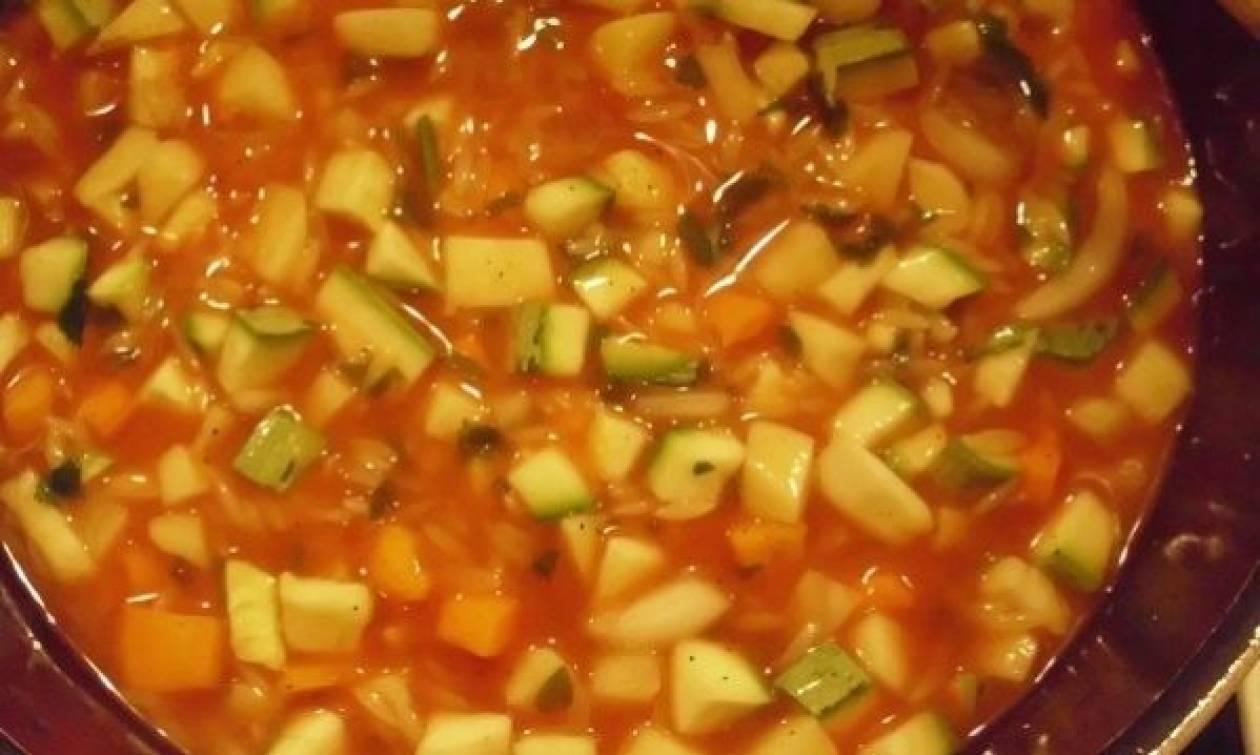 Συνταγή για την πιο αποτελεσματική σούπα αποτοξίνωσης μετά το Πάσχα!