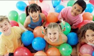 Πολύτιμες συμβουλές για να μοιράζεται το παιδί τα παιχνίδια του