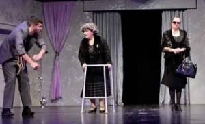 Φτυστός ο μακαρίτης: για λίγες παραστάσεις στο Θέατρο Ζίνα