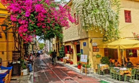 FT: Ποια χρεοκοπία; Στην Ελλάδα ο ήλιος λάμπει και τα μαγαζιά είναι γεμάτα