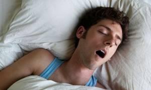 Σημάδια πρόωρης άνοιας το δυνατό ροχαλητό και η υπνική άπνοια