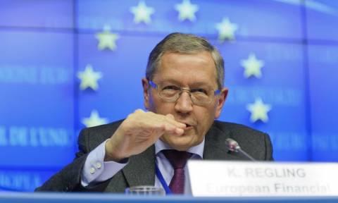 Ρέγκλινγκ: Η Ευρωζώνη εργάζεται σκληρά για μία συμφωνία με την Ελλάδα