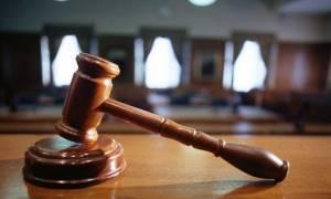 Ελεύθερος υπό όρους ο σωφρονιστικός υπάλληλος που κατηγορείται για «φακελάκι»