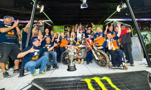 KTM Supercross: Ο Dungey Παγκόσμιος Πρωταθλητής Supercross 2015