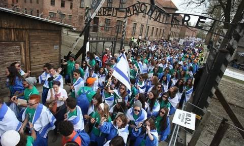 Χιλιάδες άνθρωποι συμμετείχαν στην Πορεία των Επιζώντων στο Άουσβιτς-Μπίρκεναου